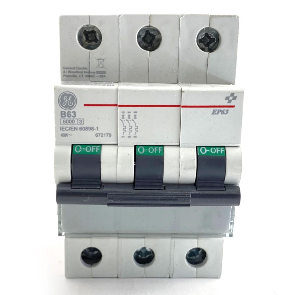 Interruttore magnetotermico 3P 3 moduli